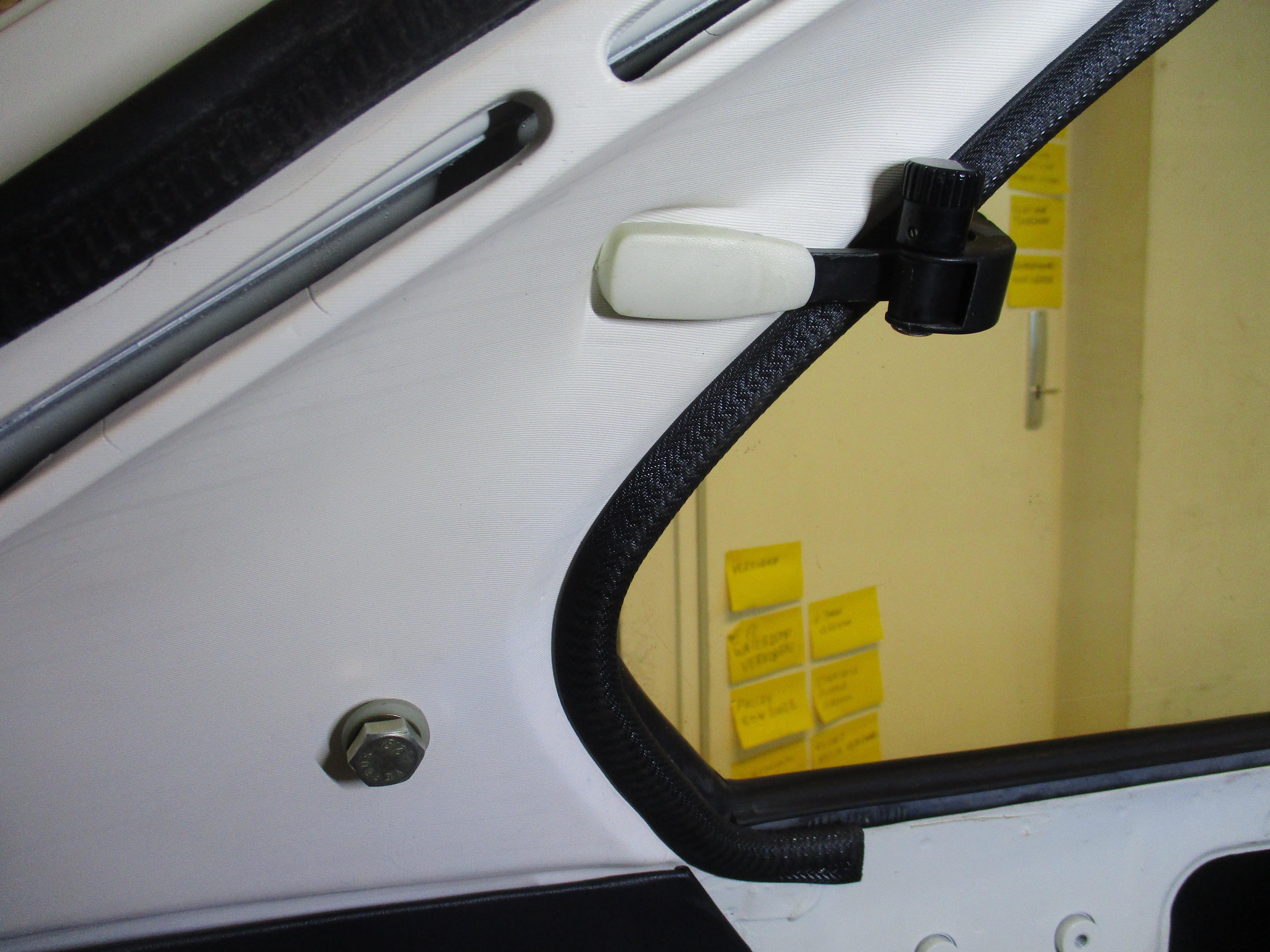 Panelen C-stijl bevestigen van BMW 2002 Touring