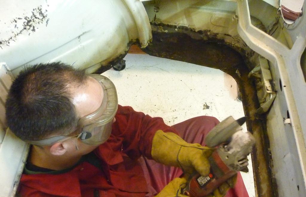 Bevestigingsbeugel kofferbakbodem BMW 2002 Touring