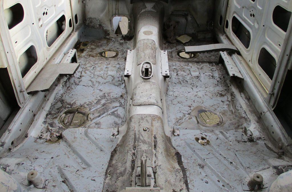 Bitumen isolatie verwijderd BMW 2002