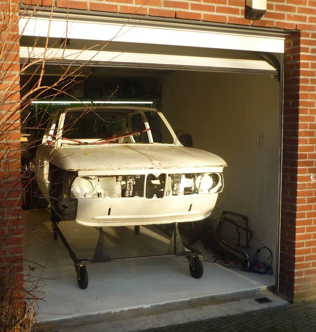 BMW 2002tii Touring terug van ijsstralen