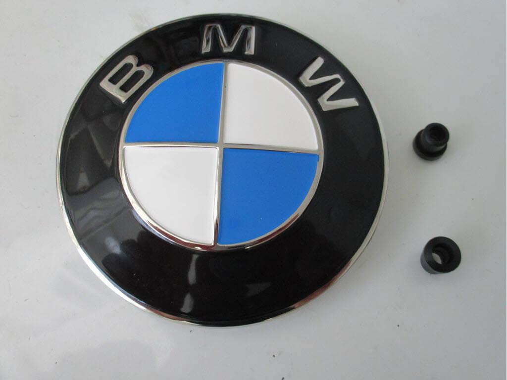 bmw embleem motorkap onderdeelnummer 51145480181