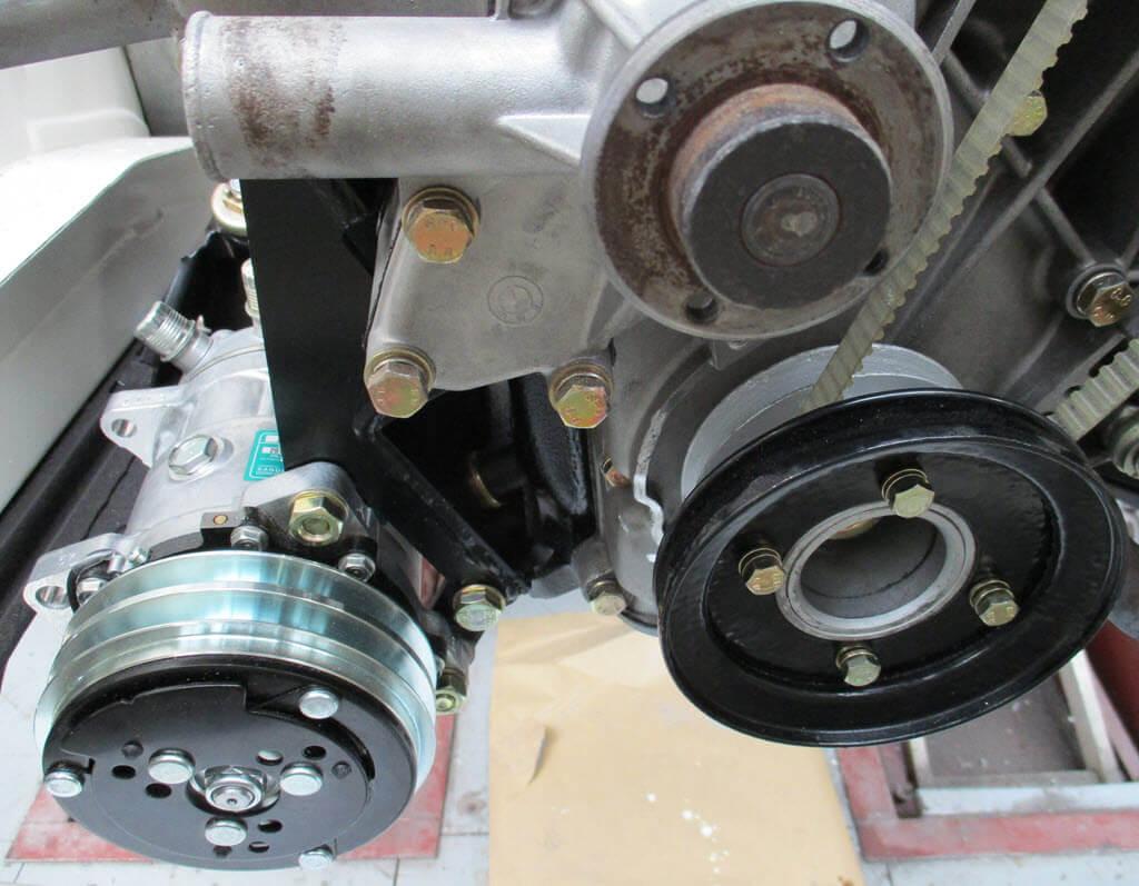 compressor airconditioning BMW 2002 vooraanzicht