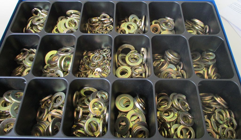 Geel verzinkte ringen assortimentsdoos