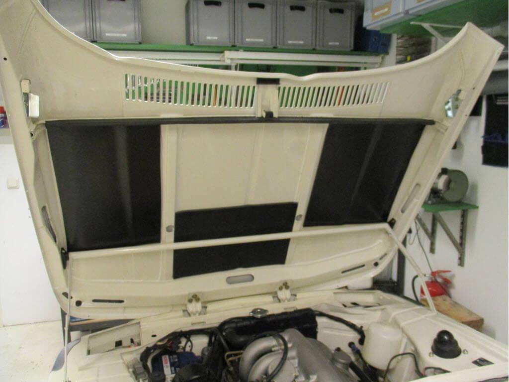Isolatie onder motorkap BMW 2002 onderdeelnummer 51481825601