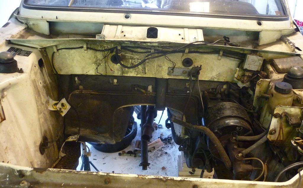 Motorblok verwijderd uit BMW 2002tii Touring