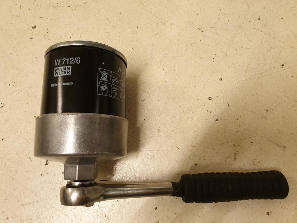 Oliefiltersleutel Hazet 2169 met Mann oliefilter W712/6