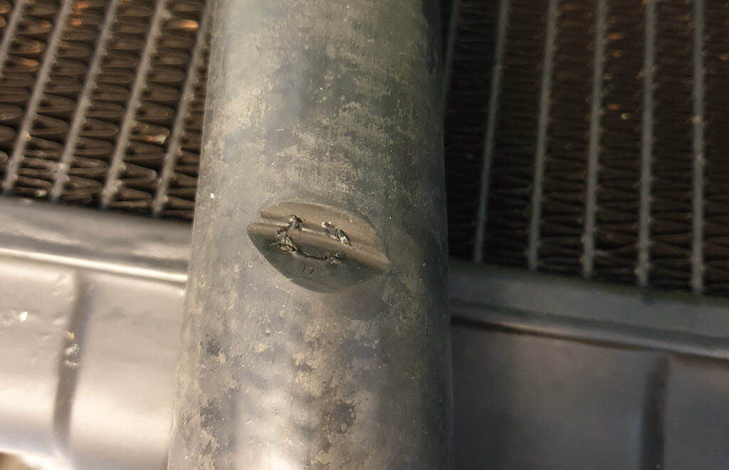 onderste slang radiateur BMW 2002 bijna lek