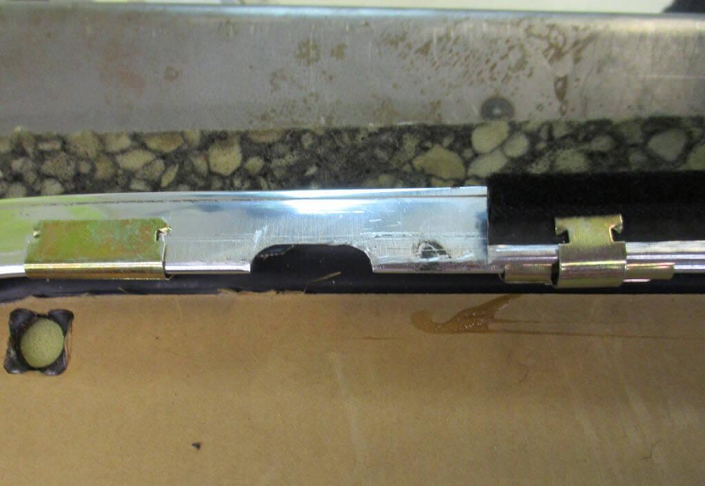 Raamspanning binnenkant deurpaneel BMW 2002 onderdeelnummer 51216454229