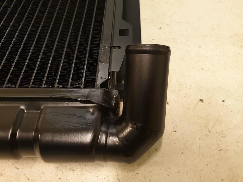 radiateur buis aan zijkant voor airconditioning BMW 2002