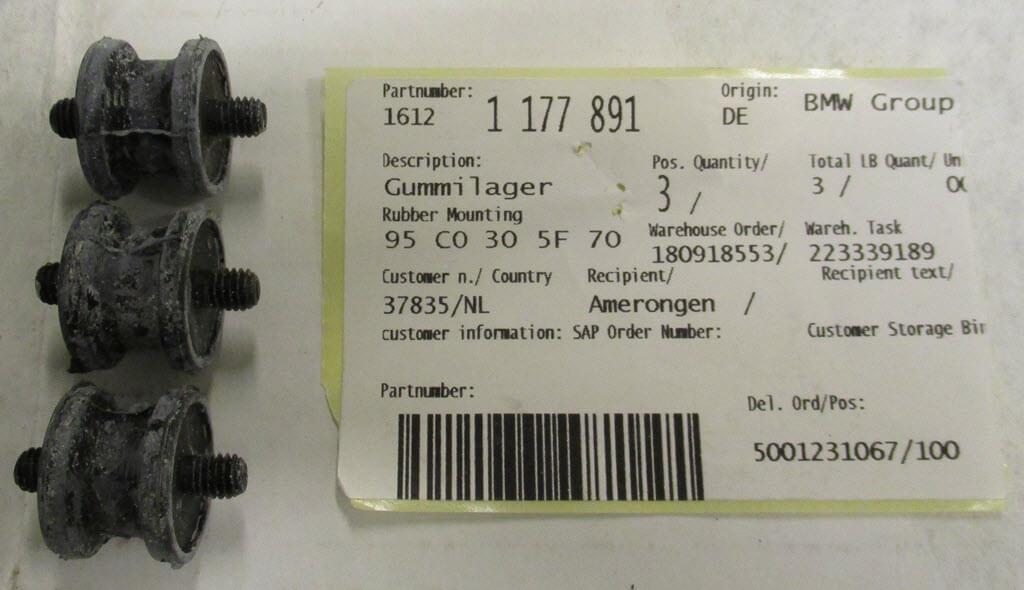rubberen steuntjes voor benzinepomp bmw 2002tii met artikelnummer 1177891
