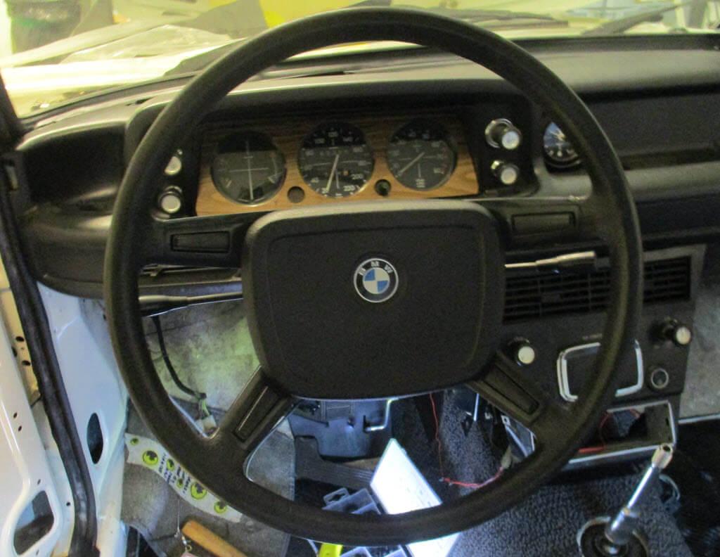 Stuur BMW 2002tii gemonteerd