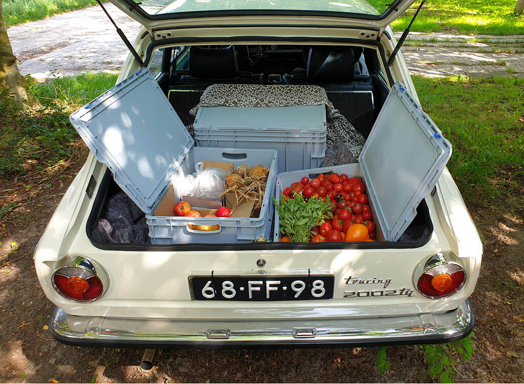 BMW 2002 Touring vol lekker eten