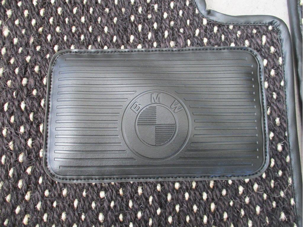 vloermat beschermstuk onder pedalen bmw 2002